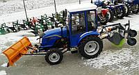 Трактор коммунальный ДонгФенг-244 с кабиной, отвалом и щеткой