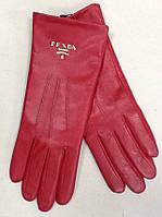 Перчатки женские кожаные Prada красные
