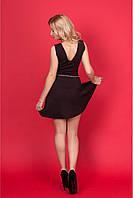 Женское платье с V-образным вырезом впереди и сзади