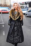 Зимнее длинное пальто  приталенного силуэта с искусственным мехом