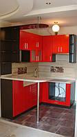 Кухня красная с барной стойкой под заказ