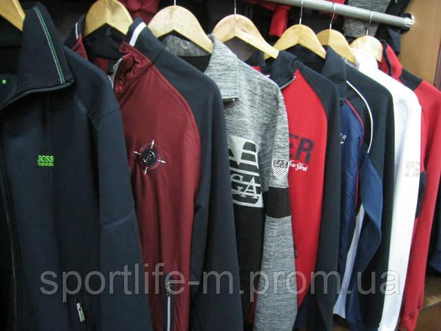 Спорт костюмы в магазине