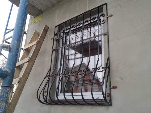 Решетки на окна в Киеве кованые -1