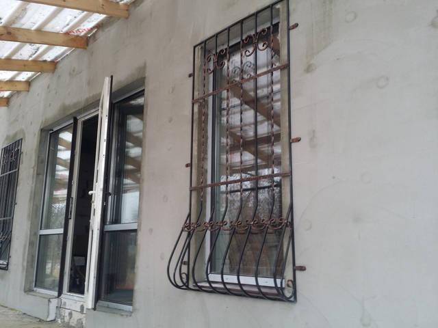 Решетки на окна в Киеве кованые 4