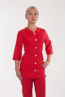 Медицинский костюм красного цвета на пуговицах