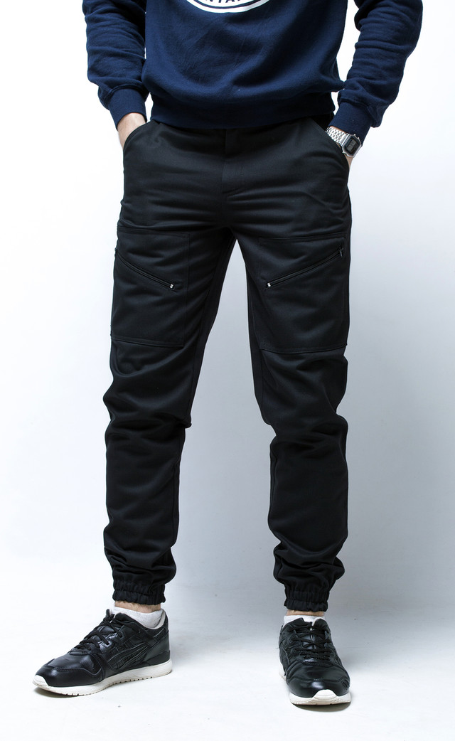 Стандартные карманы в брюках Апачи