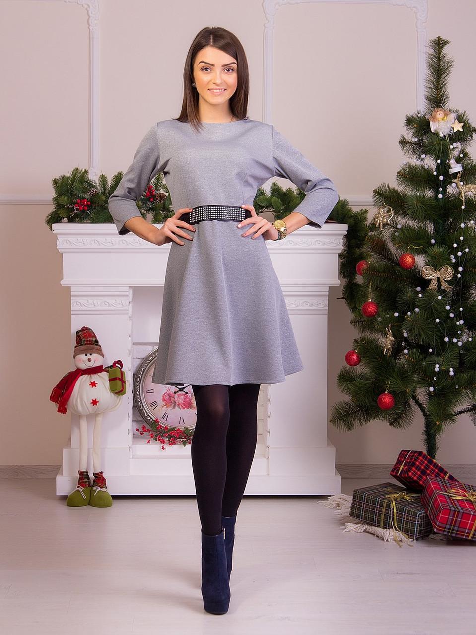 Стильное серое платье с атласным поясом в комплекте
