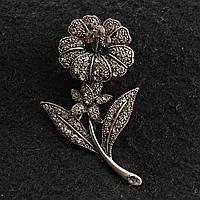 [33/58 мм] Брошь металл под капельное серебро Цветок, усыпанный стразами