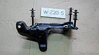 Кронштейн компрессора пневмоподвески Mercedes W220 S-Class A2203200043