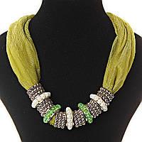 [4/6 мм] Ожерелье из ткани салатового цвета с декором из бусин металл,светлые жемчужинки, чешское стекло бирюзовое