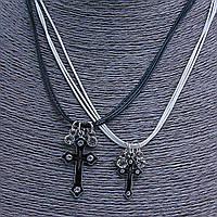 [2,5/3см] Подвески набор пара, кресты со стразами на белых и черных шнурах