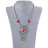 Колье на шею с крупными красными и белыми стразами, цвет металла серебро, длина 45-50см