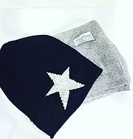 Женская шапка черная шерстяная