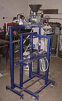 Полуавтомат Z-250 АВАНПАК с объёмным дозатором для фасовки в 3-х шовные пакеты, фото 1