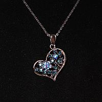 [15х25  мм.] Кулон подвеска на цепочке Сердце металл светлый и синие стразы