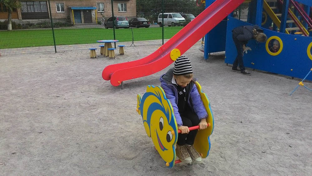 Детская площадка в жилищном комплексе Петровский квартал 6