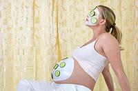 Как сохранить гладкость и упругость кожи во время беременности