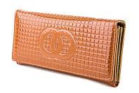 Женский кожаный кошелек Chanel на магнитной кнопке