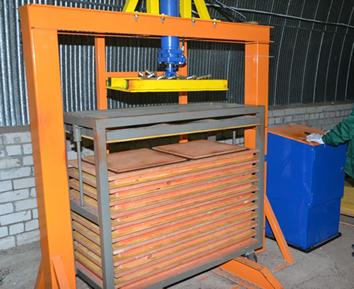 Резиновая плитка методом холодного прессования производство
