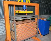 Пресс для производства плитки из резиновой крошки