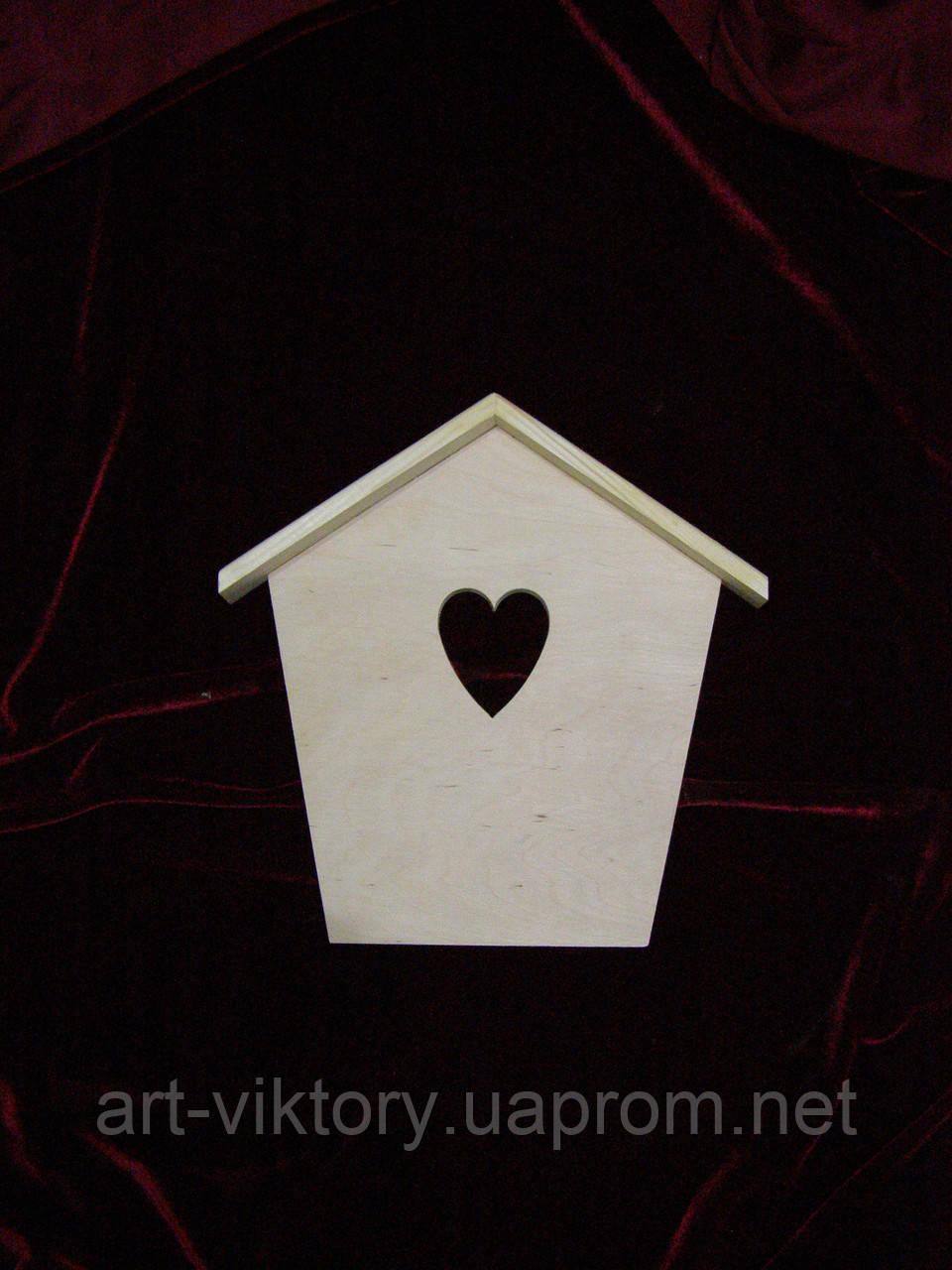 Ключница домиком с сердечком