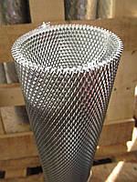 Сітка штукатурна просічно витяжна чорна. Осередок: 2х8мм, Товщина листа: 0,6 мм, Ширина листа: 0,5 м.