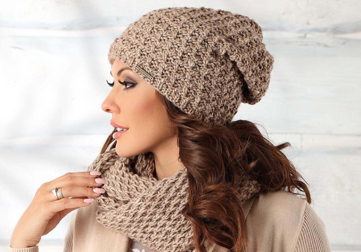 Красивая теплая вязаная женская шапка Artemia.