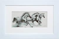 G495 Белые лошади. Luca-S. Набор для вышивания нитками