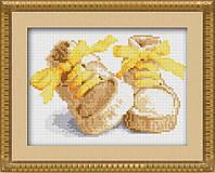 30018 Первые шаги(желтый) Dream Art. Набор алмазной живописи (квадратные, полная) (J1102). Рисование квадратными камнями на холсте