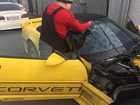 Изготовление и установка стекла на Chevrolet Corvette.  2