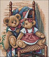 4366 Мишки на стуле. Classic Desing. Набор для вышивания нитками