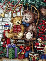 4377 Новогодние подарки. Classic Desing. Набор для вышивания нитками