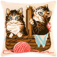 V-15 Котята в лукошке. Подушка. Чарівниця. Набор для вышивания нитками на канве с нанесенным рисунком