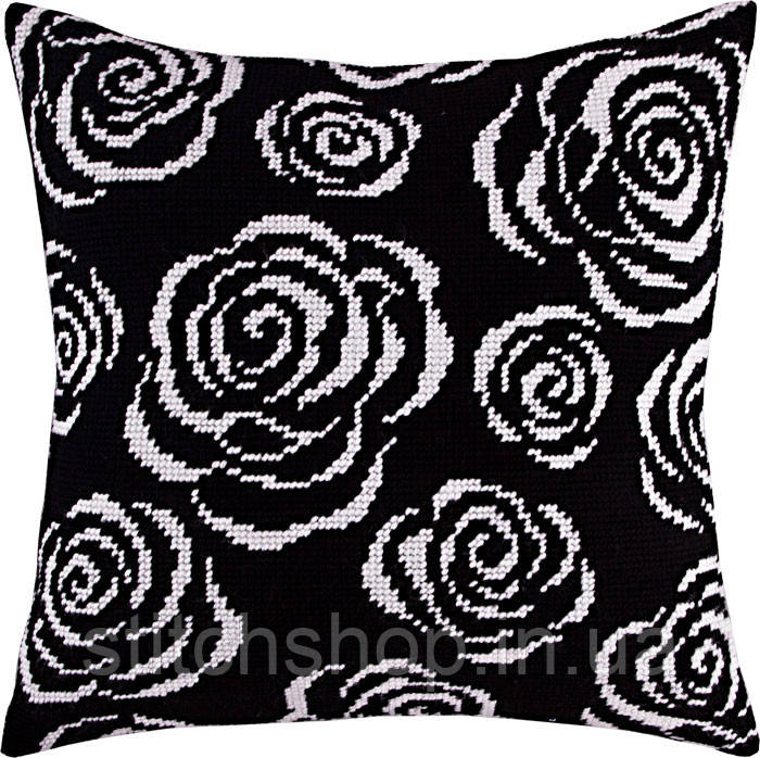 V-117 Розы ночью. Подушка. Чарівниця. Набор для вышивания нитками на канве с нанесенным рисунком