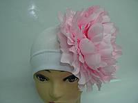 Шапочка белая с розовым пионом 20 см