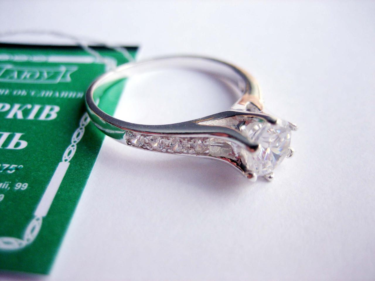 Серебряное кольцо с камнем 16,5 размер