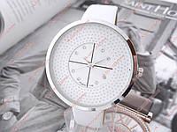 Женские кварцевые наручные часы со стразами 1006