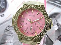Женские кварцевые наручные часы Guess B211 / Гесс на каучуковом ремешке розового цвета