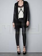 Женская куртка с кожаными рукавами