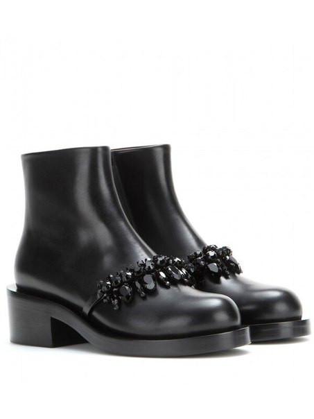 Женские низкие ботинки с камнями