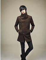 Мужское пальто с высоким воротником