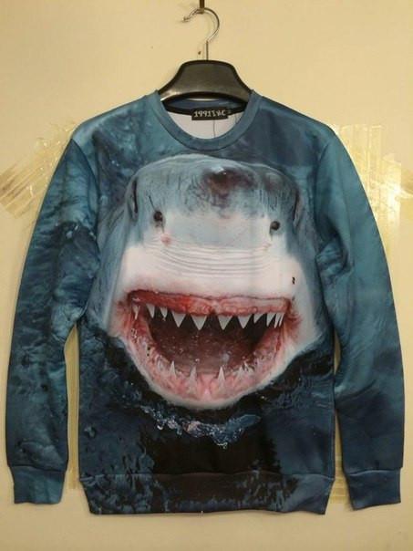Свитшот с 3D акулой