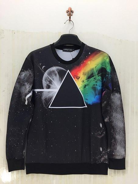 Черный свитшот с радугой