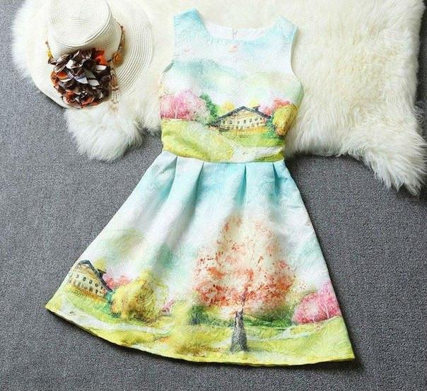 Легкое принтовое платье