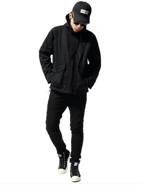 Хлопковая черная куртка SWAG