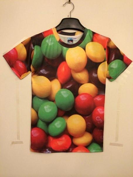 3D футболка с конфетами