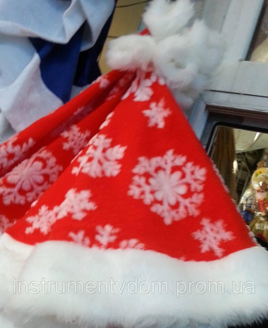 Новогодняя шапка Деда Мороза со снежинками (меховая)