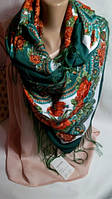 Темно-зеленый платок с цветочным рисунком