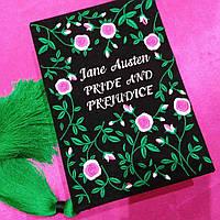 Клатч ручной работы в виде книги Pride and Prejudice