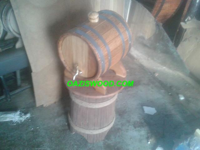 Жбан (бочка с усеченным конусом) — небольшой сосуд для жидкостей из дуба с краном.